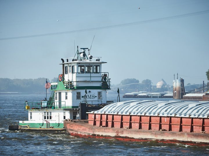 Illinois Waterway Lock Closures Begin