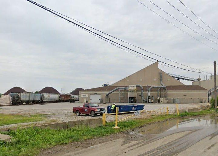 Company that makes 'eco-friendly fertilizer' is set to open St. Louis riverfront facility